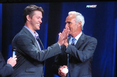 Kershaw and Koufax comparing hand size.jpg