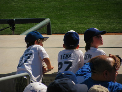 Spring Training 2010 Kemp little fans.jpg