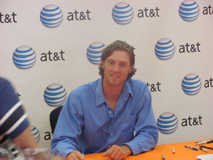 Ely at AT&T store June 2010.jpg