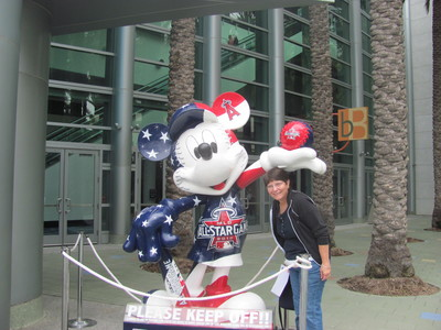 July 7 2010 All-Star Mickey Mouse and Toes.jpg