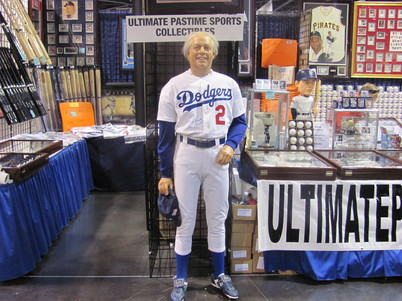 July 7 2010 All-Star FanFest   Tommy Lasorda 021.jpg