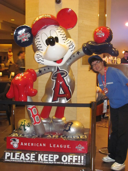 July 7 2010 All-Star Fanfest American League mickey .jpg