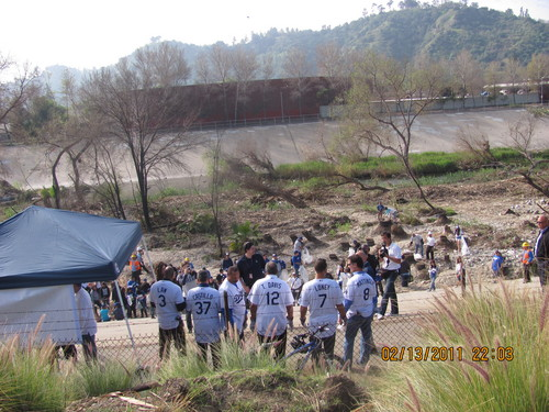 feb 2011 Dodger Caravan cleanup the LA river.jpg