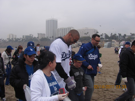 Feb 2011 Dodgers Caravan.jpg