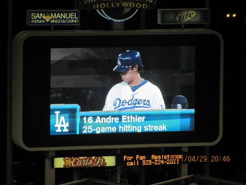 April 29 game Dodgers Padres 003.jpg